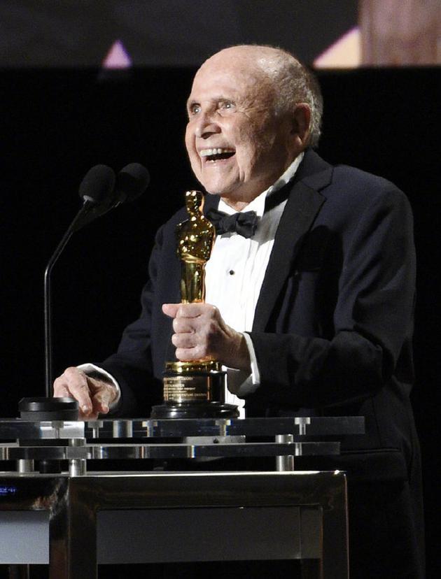 好莱坞金牌选角导演林恩·斯塔马斯特去世 享年93岁